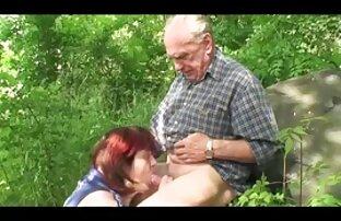 სილამაზე ცხელი ყელის ბებერი და ახალგაზრდა მოითხოვს პრევენციული მკურნალობის
